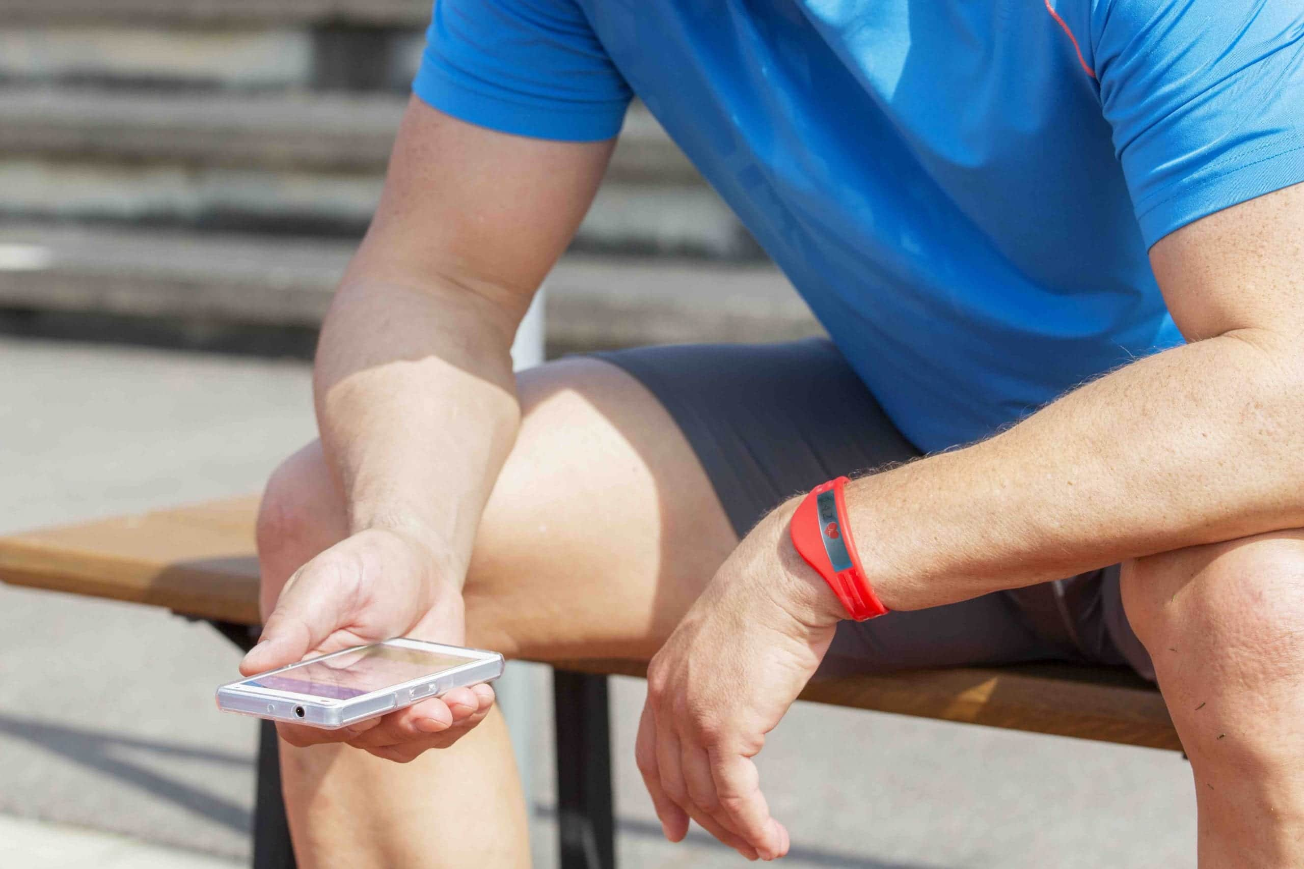Quantified self: three strategies to integrate new technologies in fitness and health clubs