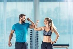Selbstoptimierung durch persönliche Weiterentwicklung im Fitnessstudio