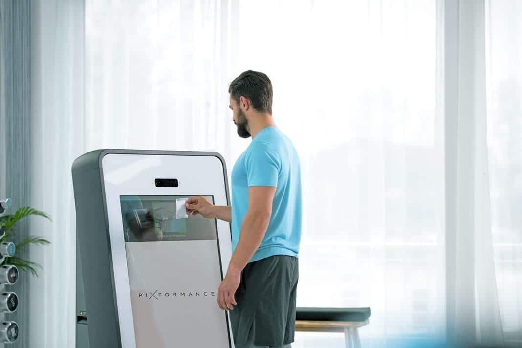 Pixformance Firmen Fitness - Wir machen Ihr Team stärker Besser effizienter - Zirkeltraining mit Pixformance Station