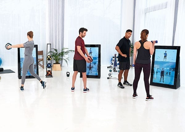 Zirkeltraining an der Pixformance Station, Digitales Fitnessgeraet fuer funktionelles Training