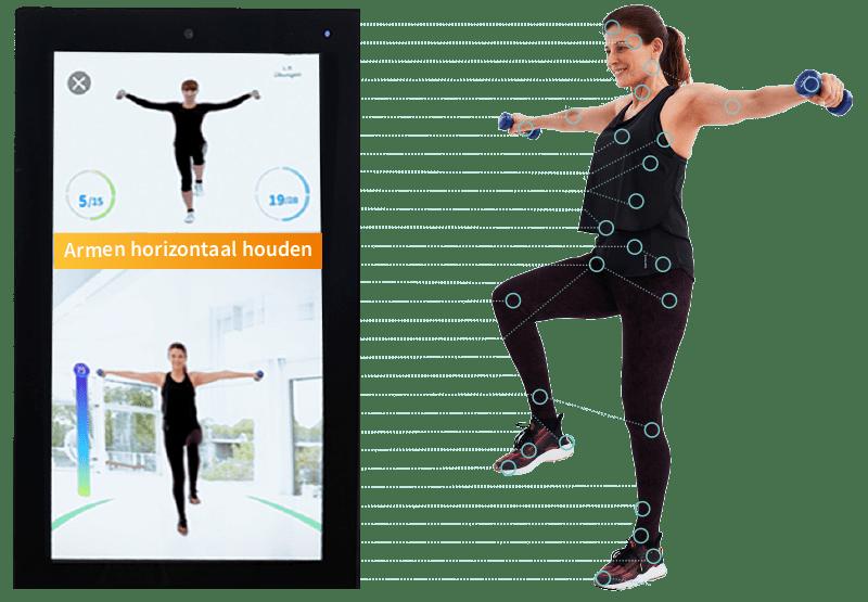 Een vrouw traint op het Pixformance Station met real-time correctie